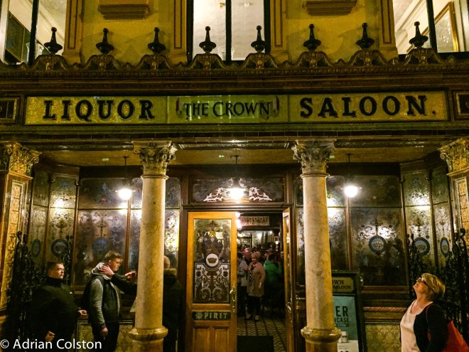 crown-liquor-saloon-3